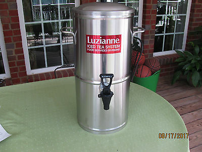 3 Gal Stainless Steal Tea Urn Bloomfield