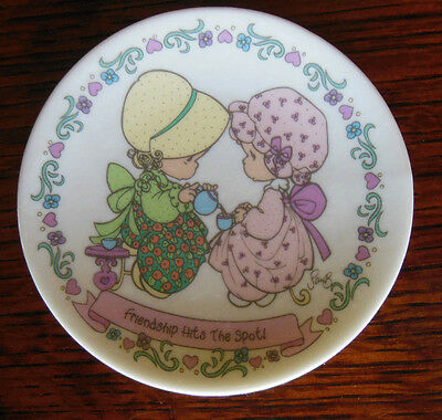 Precious Moments 1992 Collector Plate Friendship Hits The Spot