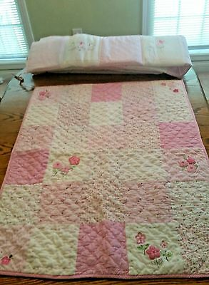 Baby CRIB QUILT & BUMPER PAD Sweet Baby Girl Embroidered Daisy Pink & White EUC