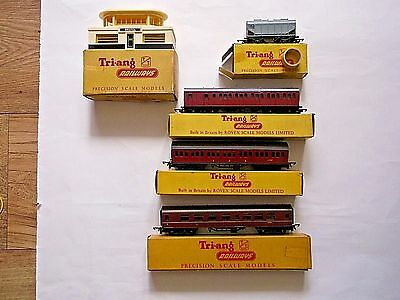 TRIANG TT coaches T80, T81 and T82, grain wagon T171, signal box T27 -all boxed