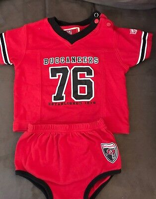 Infant Tampa Bay Buccaneers 2 Piece Outfit 6-9 Months