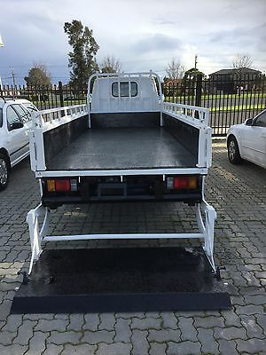 Isuzu Drop Side Tray With 1 Ton Tail Gate Loader