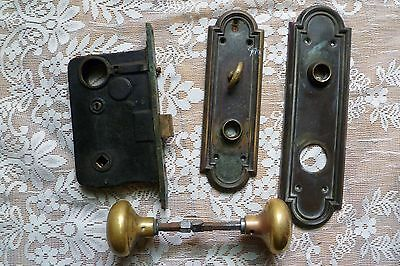 Antique Set of 2 Heavy Brass Door Knobs Plus Lock & 2 Plates TOP