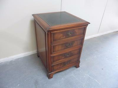 A Quality Mint Clean Late 20th Century 2 Drawer Mahogany Leather Filing Cabinet