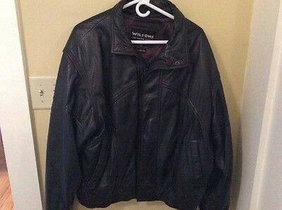 "Wilsons ""The Leather Experts"" Men's Black Leather Bomber Jacket XL EUC Lining"