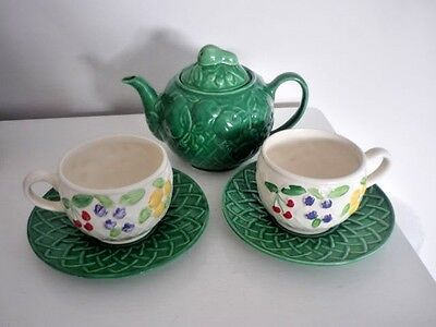 """Vintage/Retro WADE Green """"Fruit Basket"""" Teapot plus two Large Cups with Saucers"""