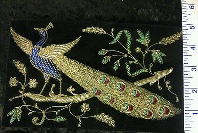 Rare Women's Stunning Antique Vintage Gold & Silver Embroidered Peacock Clutch