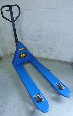 2.5 ton Narrow Hand pallet truck European Refurbished Free Delivery Vat inc