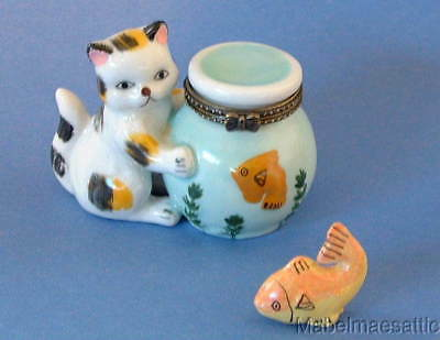 New  Handpainted Calico Cat Kitten & Fishbowl  Porcelain Hinged Trinket Box