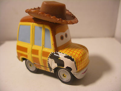 Mattel Disney Pixar Voiture CARS 2 Die Cast Metal 1/55 TOY STORY WOODY