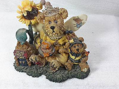 Boyds Bears & Friends Victoria Regina Buzzbruin So Many Flowers  #01999-71