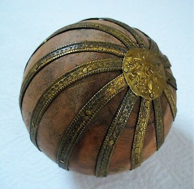Signed~ANTIQUE~Unique~HAND Made~Resin~Ball~SPHERE~Metal DECORATIVE~Nice Patina