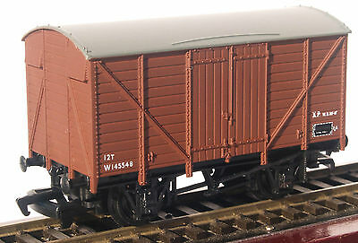 Bachmann/Branchline 12 ton Ventilated Van BR brown suit Triang/Hornby