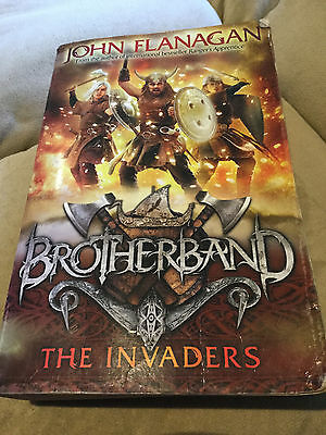 John Flanagan - The Invaders. Brotherband Series Book 2