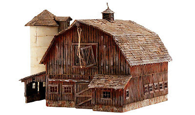 Rustic Barn - N Scale Pre-Fab Landmark Structure - Woodland Scenics Pf5211