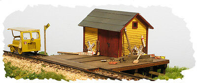"HO Scale: ""THE SPEEDER SHED"" by Monroe - Kit #2206"