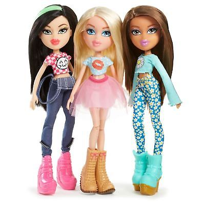 Bratz Remix Doll Cloe Jade Yasmin Fashion Girls Headphones Playlist Music Play