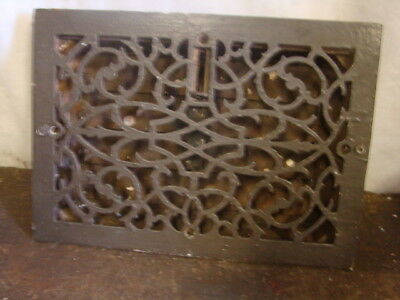 ANTIQUE LATE 1800'S CAST IRON HEATING GRATE ORNATE DESIGN 13.75 x 9.75 t