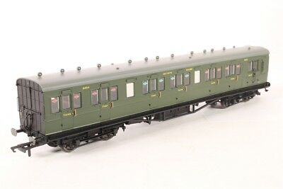 Hornby R4719, SR 58' Maunsell Rebuilt (Ex-LSWR 48') Six Compartment Lavatory Bra