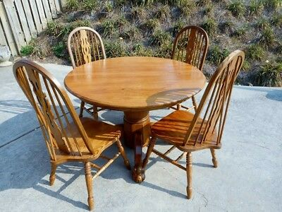 Customizable Solid Wood Oak Pedestal Dining Table Round Traditional Extending