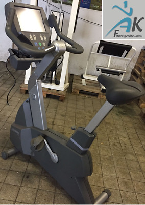 Life Fitness Upright Bike 95CE mit Touch Display