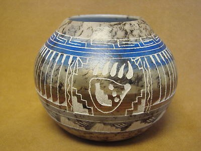 Native American Indian Pottery Etched Bear Paw Painted Horse Hair Pot! Navajo