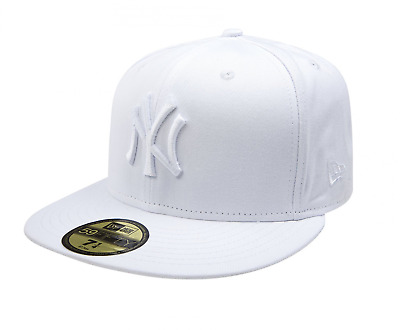 New Era 59Fifty Fitted Cap. Mlb Optic New York Yankees. White/white