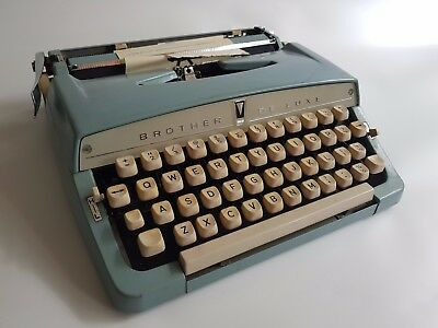 Vtg 1970 Brother Deluxe1350 portable typewriter & case - will need a new ribbbon