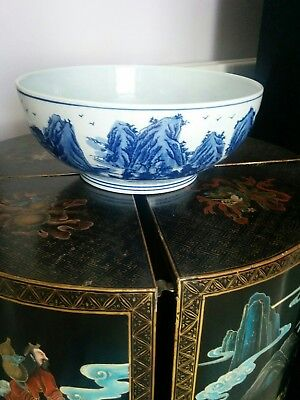 Chinese vintage blue and white beautiful large and handsome bowl