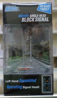HO Scale BLMA Models 4037 Modern Single-Head Block Signal Left - Operating LED's