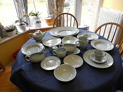 Woods Ware Vintage beryl (1940)-various plates ,bowls cups saucers  platter
