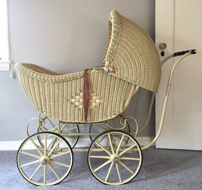 Antique Wicker Victorian 1920 Baby Carriage Buggy Stroller Pram w Adj Canopy