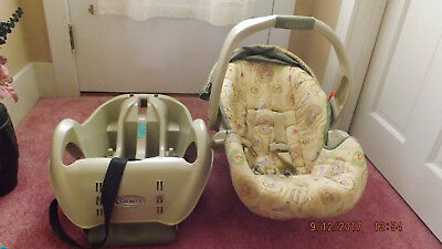 Graco Winnie the Pooh Infant Car Seat with Base