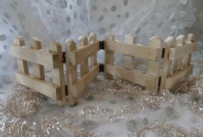 Boyds Bears White Folding Picket Fence, Snow Capped ~ Wood Wooden