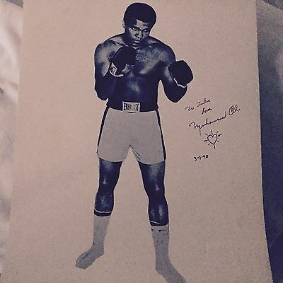 Muhammad Ali Genuine Signed photo  RARE Julie