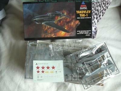 accurate miniatures 1/48 yak-1 au 1/48