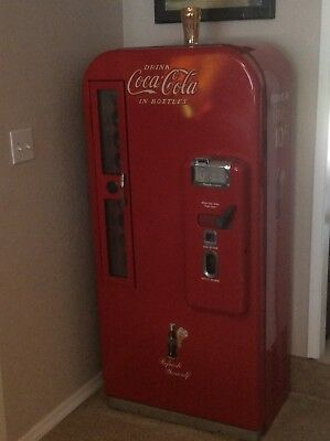 1949 Coca Cola machine