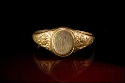 Victorian 10K Yellow Gold Antique Ring Signet