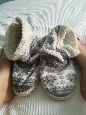well worn cosy winter slippers, size six, fluffy,