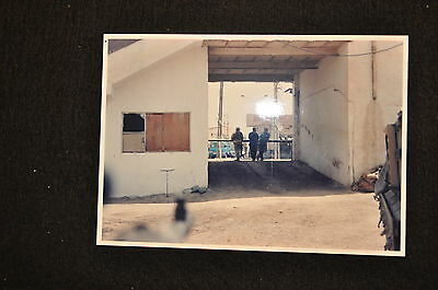 EARLY OPERATION IRAQI FREEDOM 1st ARMORED DIVISION PHOTO - SOLDIER WITH POLICE