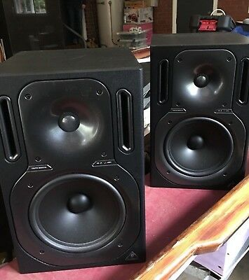 behringer monitor speakers 2013A