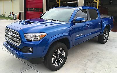 2016 Toyota Tacoma TRD Sport 2016 Toyota Tacoma TRD Sport w/ technology and premium package