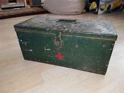 Large Green Army Vintage Storage Chest Medical First Aid Case Box Tin 1st Aid