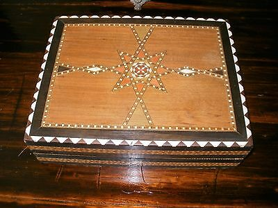 Lovely Inlaid Beautiful Chess/Draughts Set-Complete with All Pieces