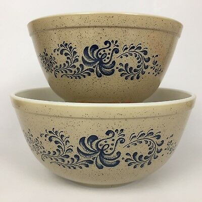 Set of 2 VTG Pyrex Homestead Mixing Bowls Beige Blue Pattern Nesting 402 And 403