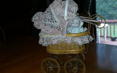 ANTIQUE WOOD-WICKER-METAL DOLL CARRIAGE / BUGGY / PRAM w Lace+Baby & Blanket!