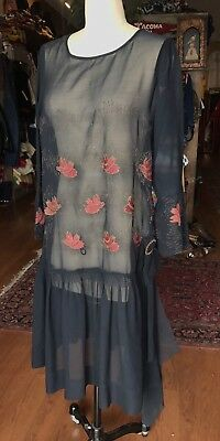1920s AMAZING SILK ART DECO FLORAL PRINT FLAPPER DRESS Embroidered Small