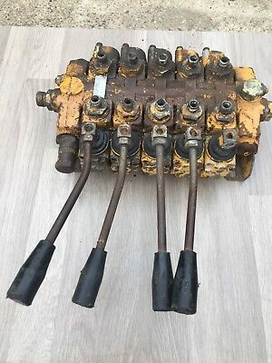 5 Lever Hydraulic Valve Bank Supplied By Mhs 19899 Spare Parts