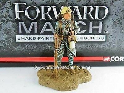 French Corporal Battle Of The Somme 1/32Nd Size Forward March Version R0154X{:}