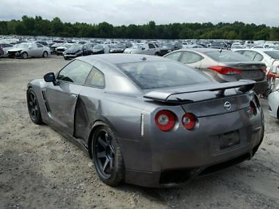 2009 Nissan GT-R Premium Coupe 2-Door 2009 GT-R light side damage runs and drives